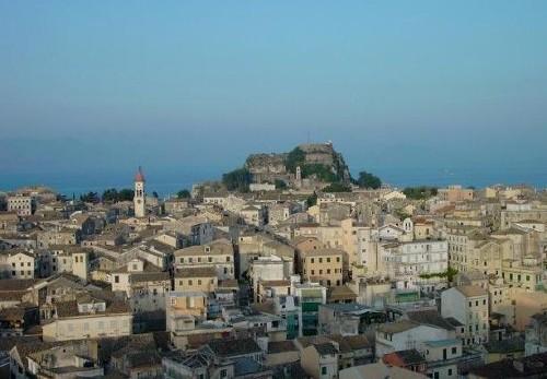Un paseo por la capital de Corfú