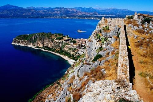 El puerto de Nauplia y el islote de Bourtzi