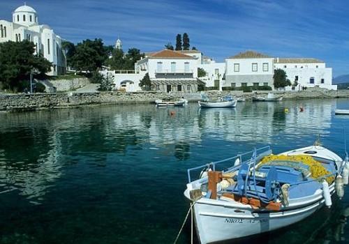 Spetsai: una evocadora isla del golfo Sarónico