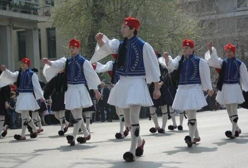 La indumentaria tradicional griega