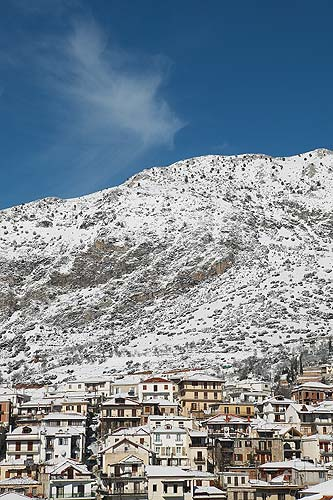 arachova, ciudad nevada, grecia