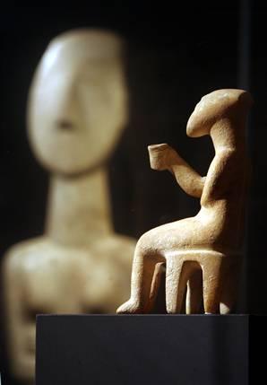 Estatuillas en Keros