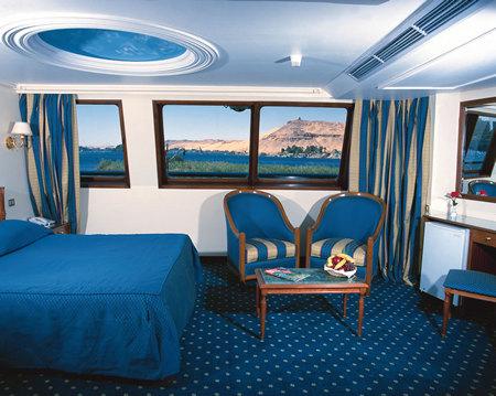 Cabina de crucero con vista al mar
