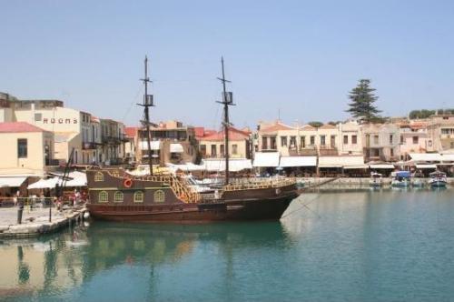 Puerto veneciano de Rethymno, Creta.