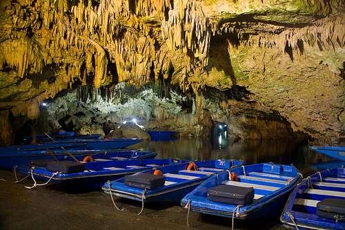 La cueva de Diros, mitología y naturaleza