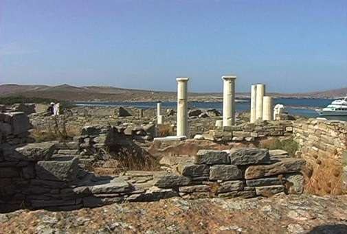 Columnas de Delos, Apolo, C�cladas
