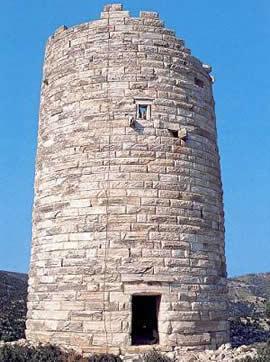 La torre de Pyrgos Chimarrou, simbolo de Naxos