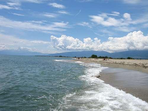 Tres carreteras rumbo a las playas de Pieria