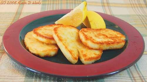 saganaki queso rebozado