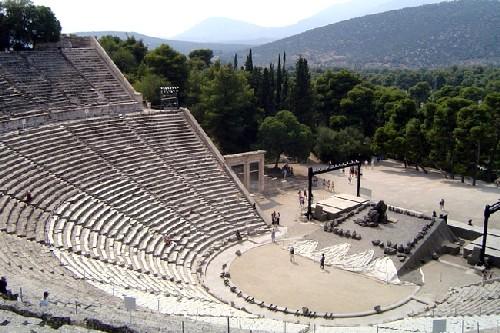 Viajar en coche de Atenas a Nafplio